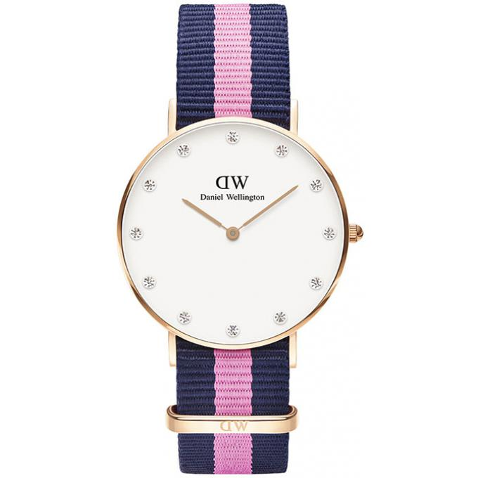 montre daniel wellington classic dw00100077 montre nylon bleu femme sur mode in motion. Black Bedroom Furniture Sets. Home Design Ideas